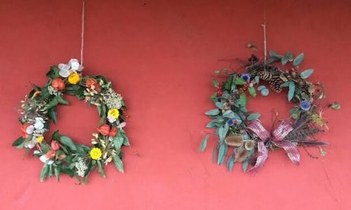 5. Corona di fiori di Natale