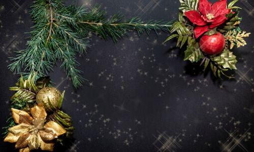 6. Palle di Natale lucide con fiore