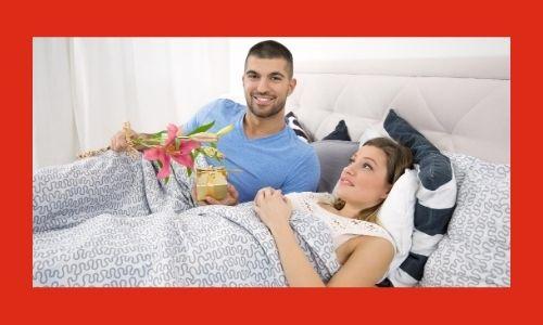 2. Sorpresa con un regalo romantico