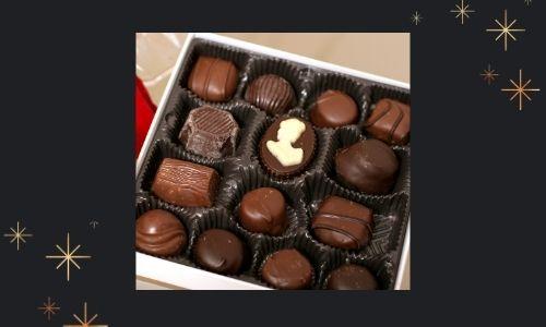8) Confezione regalo di cioccolato fondente