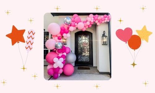 7. Decorazione della porta d'ingresso con palloncini rossi