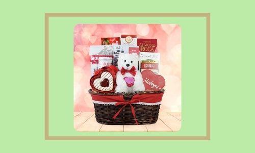 6. Cesto regalo romantico